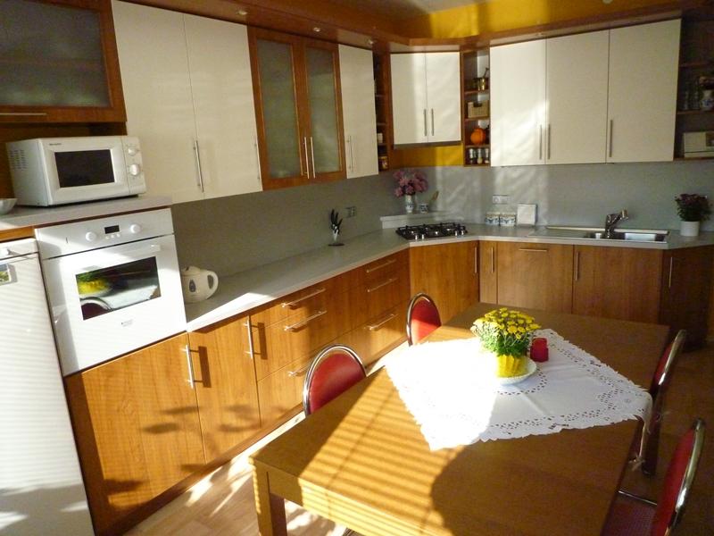http://www.kuchynezatloukal.cz/gallery_store/904DWGr9LoRVRcc1.JPG
