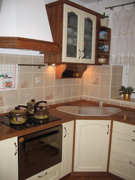 http://www.kuchynezatloukal.cz/gallery_store/YSiNGv8iUzeux1WE.jpg